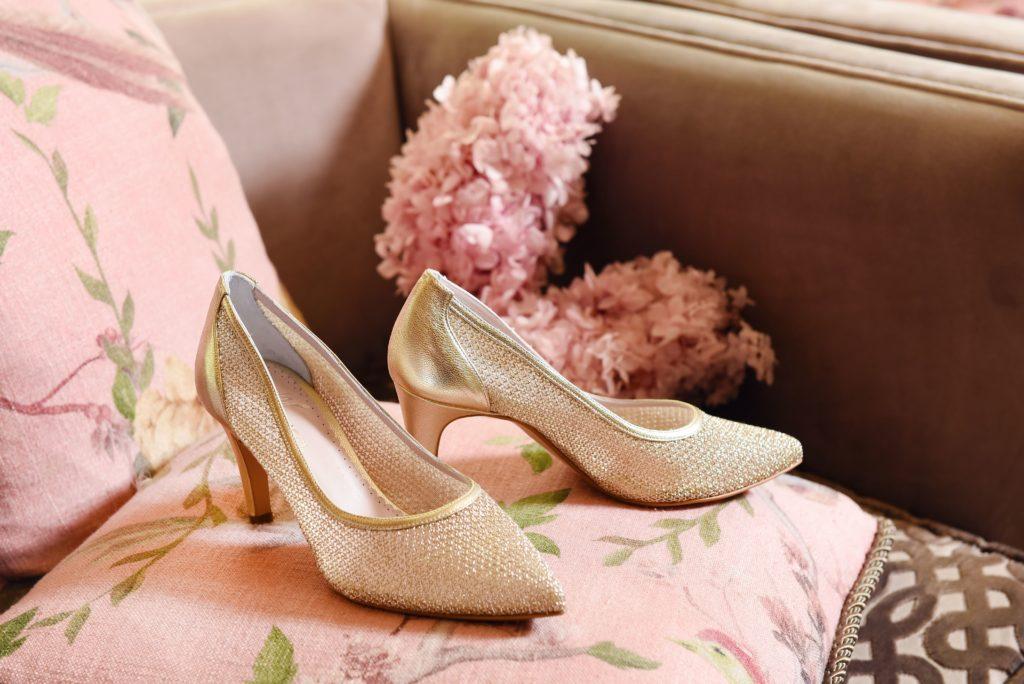 свадебные туфли из сетки