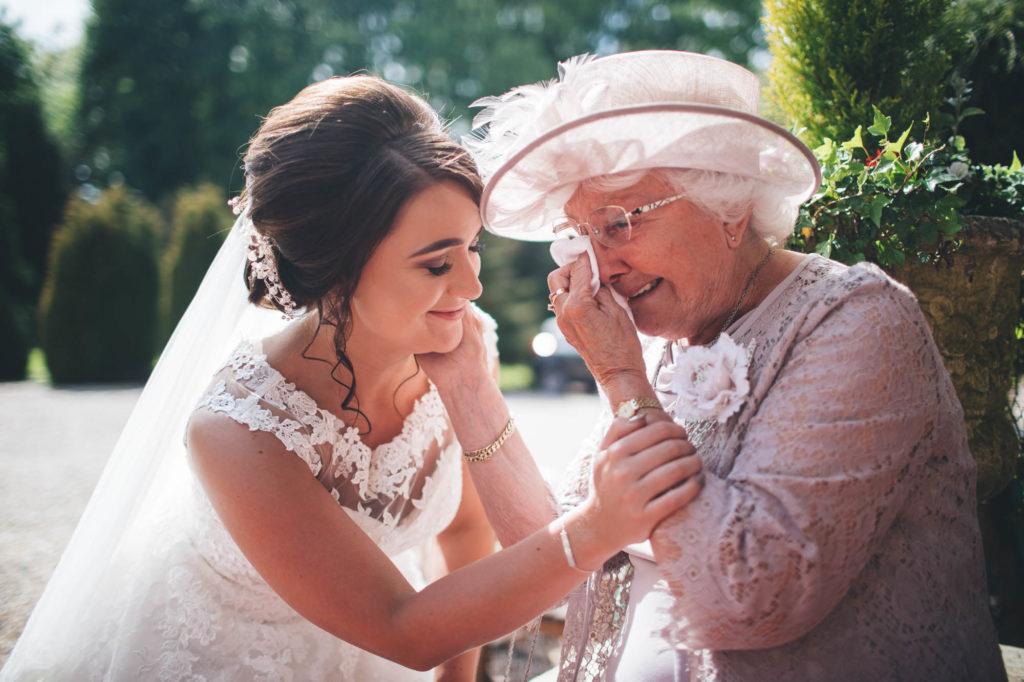 фото на свадьбе с бабушкой